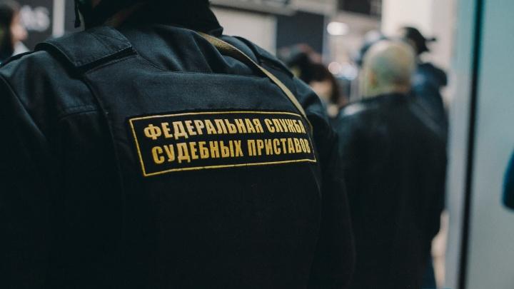 Тюменец не хотел платить компенсацию сбитой девочке, пока приставы не пригрозили арестовать машину