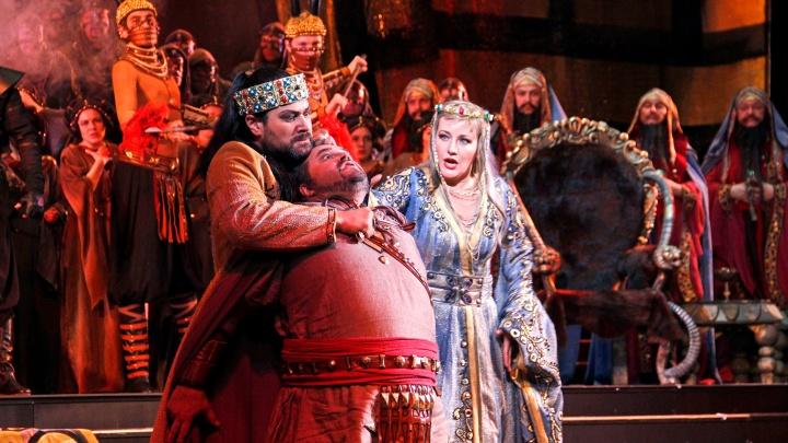 Война, коварство и любовь: на сцене уфимского театра расправились с варваром Аттилой
