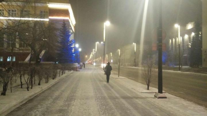 Красноярск вновь накрыло зловонным туманом. Датчики независимых экологов зашкаливают, официальные — молчат
