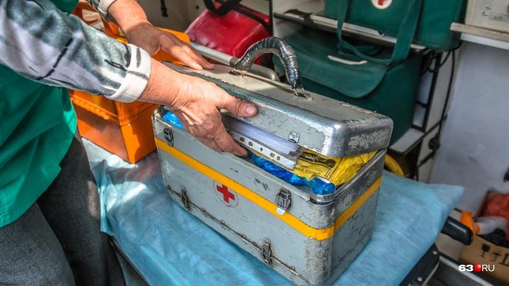 В Самаре пациент избил 82-летнего врача скорой помощи