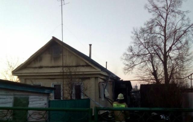 В Башкирии из горящего дома вынесли женщину: пенсионерка скончалась в больнице