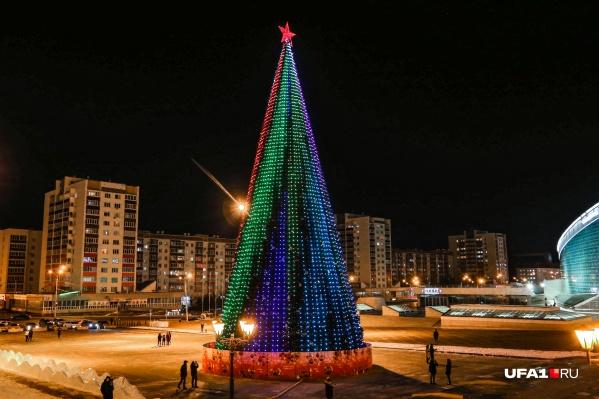 В этом году пиксельные елки в Уфе появились впервые