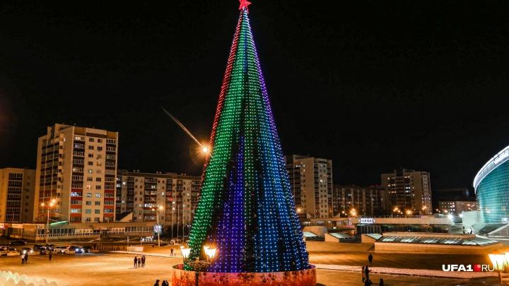 В МинЖКХ Башкирии прокомментировали ситуацию с «перегоревшими» пиксельными елками