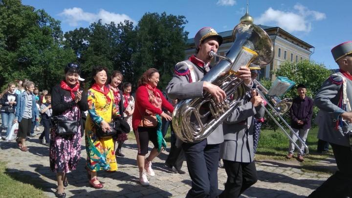 Здесь такое впервые: в Ростове устроили променад-парад