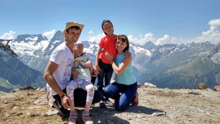 «Они хотелиподняться в горы»: семья из Самары погибла в ужасном ДТП по пути на Черное море