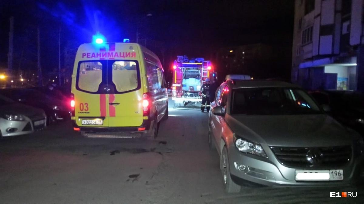 Мужчину увезли в 40-ю больницу