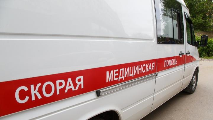 «Кинули за шиворот петарду»: в Волгограде с ожогом шеи госпитализирован восьмилетний мальчик