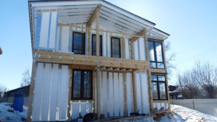 Омичи могут не откладывать строительство до лета: построить тёплый дом быстро и недорого можно зимой