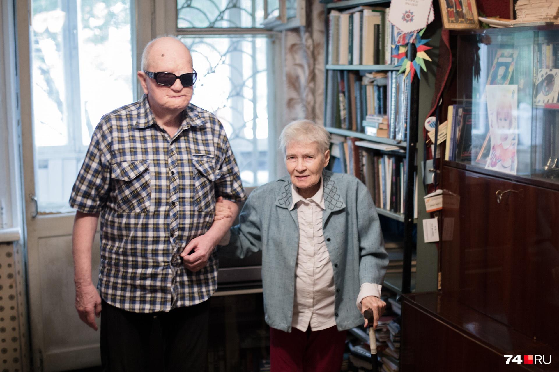 Многие годы учёному помогает соратница Вера Марушкина