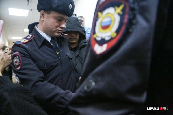 Новый год двум экс-полицейским придется встретить за решеткой