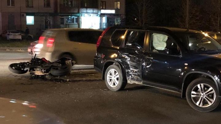 «Мотоциклист в реанимации»: на северо-западе Челябинска произошла серьёзная авария