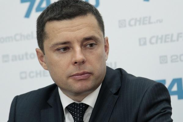 Евгений Иванов хорошо знаком с директором «Трактора» Борисом Видгофом и ранее уже работал в клубе