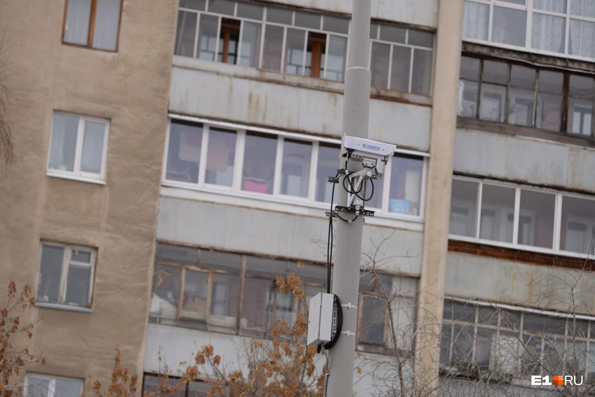 Пока камеры установили только в направлении Щорса, в сторону центра они появятся в декабре