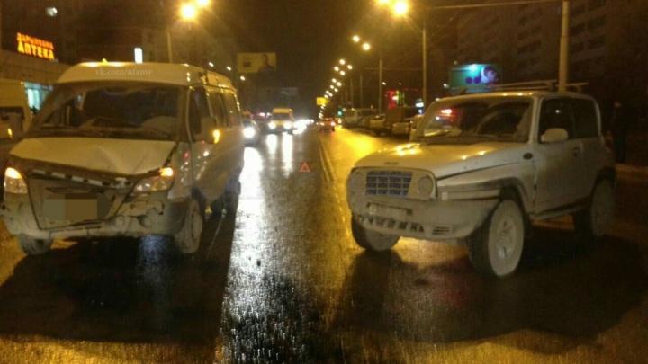 В Уфе из-за ДТП пострадали пассажиры маршрутки