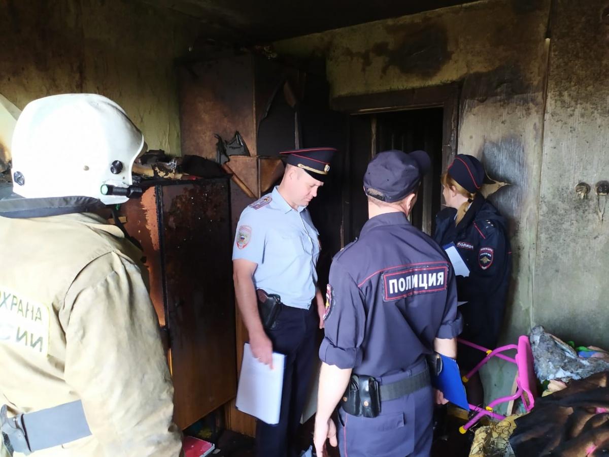 Потушили за 5 минут, но было поздно: на Урале после пожара в жилом доме погибли два ребенка