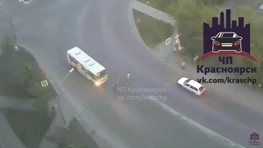 Автобус сбил насмерть ребёнка напешеходном переходе