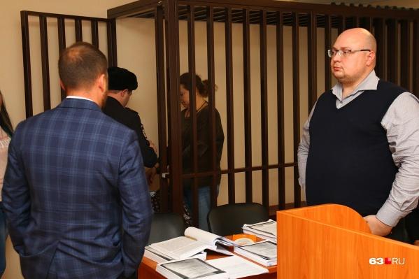 Адвокаты защищали свою подсудимую от фотосъемки