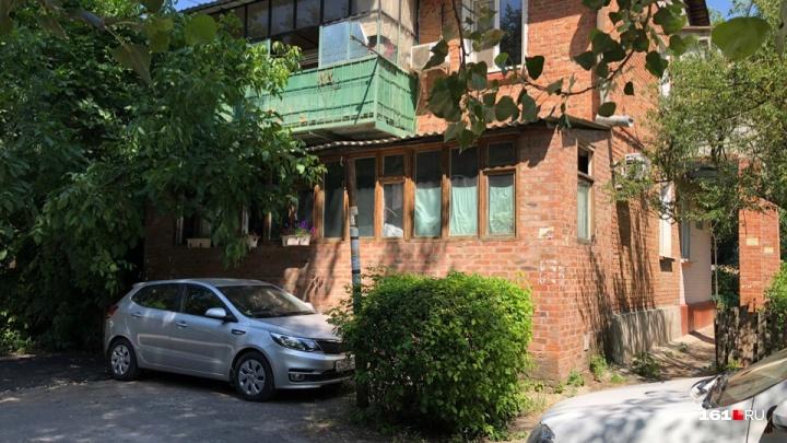 Жители дома на 1-й Краснодарской в Ростове остались без воды из-за соседского самостроя