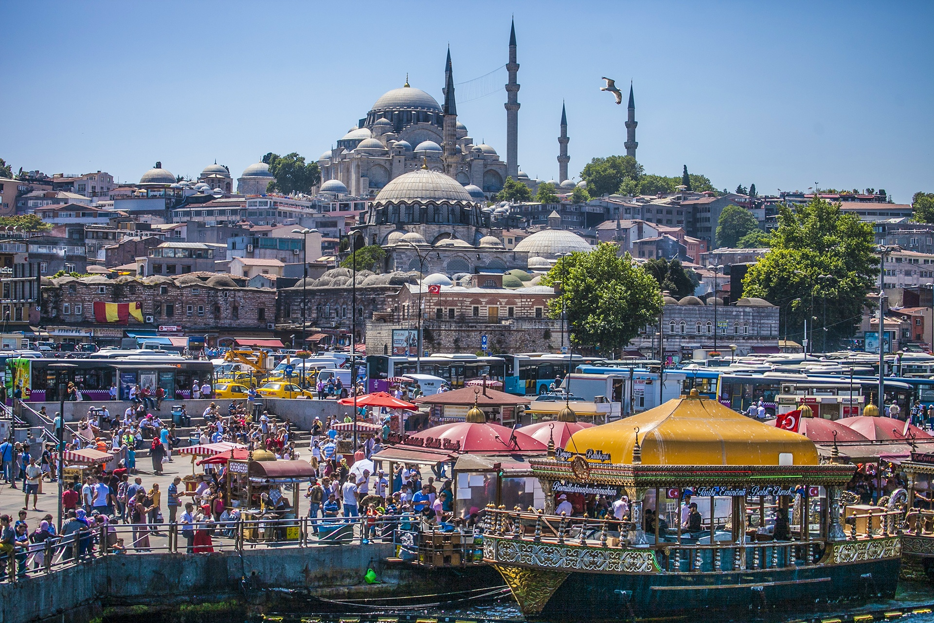 В Турции можно весь отпуск не вылазить из отеля или, наоборот, объехать полстраны