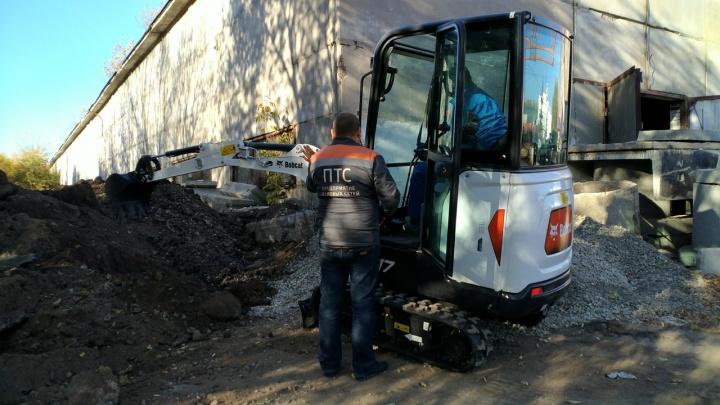 В старой Самаре ремонт теплосетей ускорят с помощью мини-экскаватора