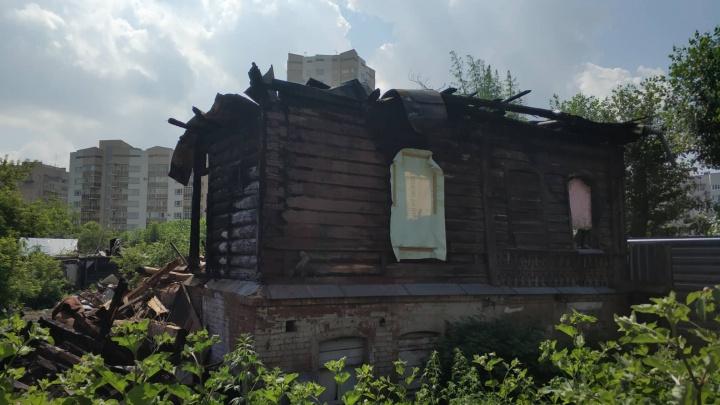 В Екатеринбурге возобновили снос старинных особняков, на месте которых УГМК построит небоскребы
