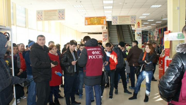 Новосибирец прописал у себя 246 квартирантов с Хилокского рынка