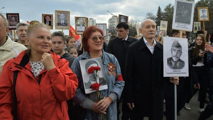 Рустэм Хамитов принял участие в шествии «Бессмертного полка»