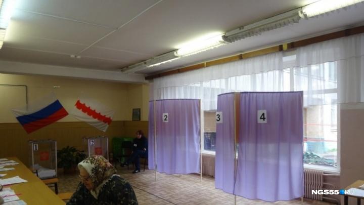 Идём на антирекорд: к концу дня на выборах депутатов горсовета насчитали всего 14% избирателей