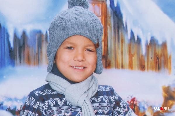 Таким родители помнят Серёжу Галанова — милым и улыбчивым