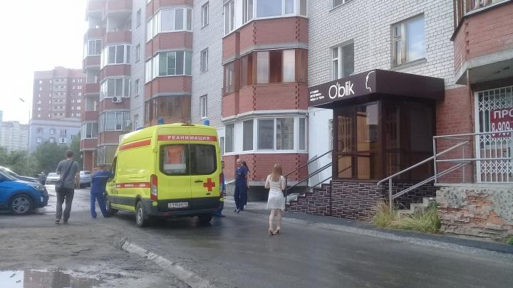 Вторая трагедия за неделю: на Широтной насмерть разбился ребенок, выпавший с высоты седьмого этажа