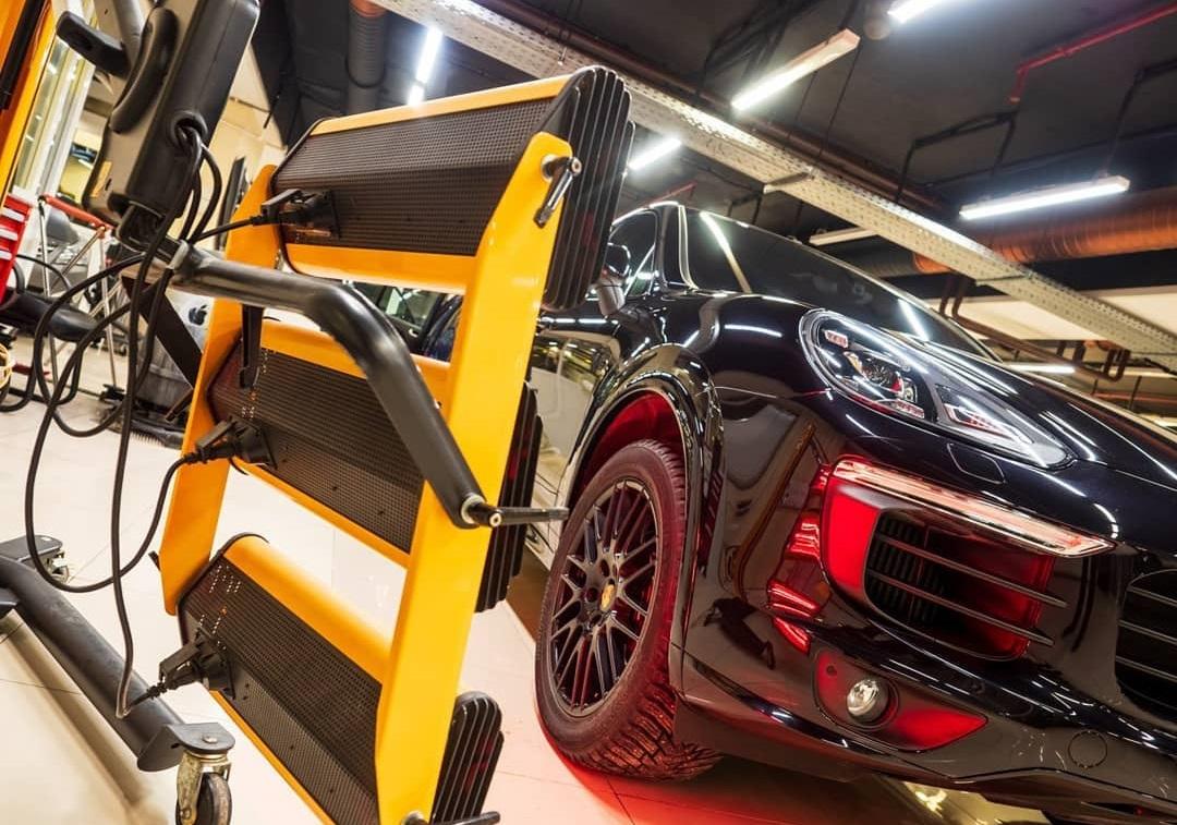 Техцентрам VRRUM доверяют одни из лучших автомобилей Екатеринбурга