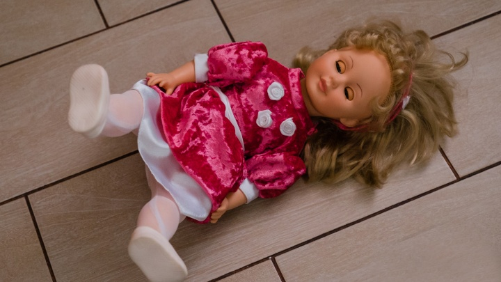 Если мальчик играет в куклы — вырастет женственным? Психолог — о том, какие игрушки подходят детям