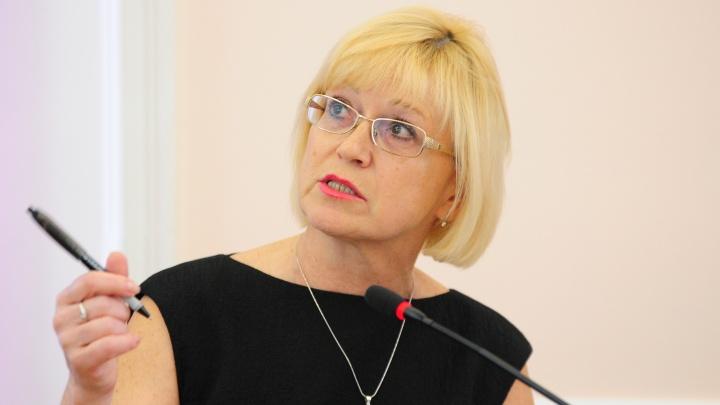 «Можем себе позволить»: в ТЮЗе объяснили, зачем покупают иномарку за 1,4 миллиона рублей