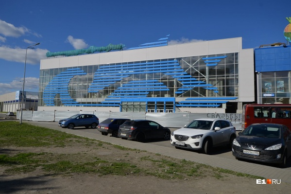В здании разместятся две зоны — дельфинарий и океанариум