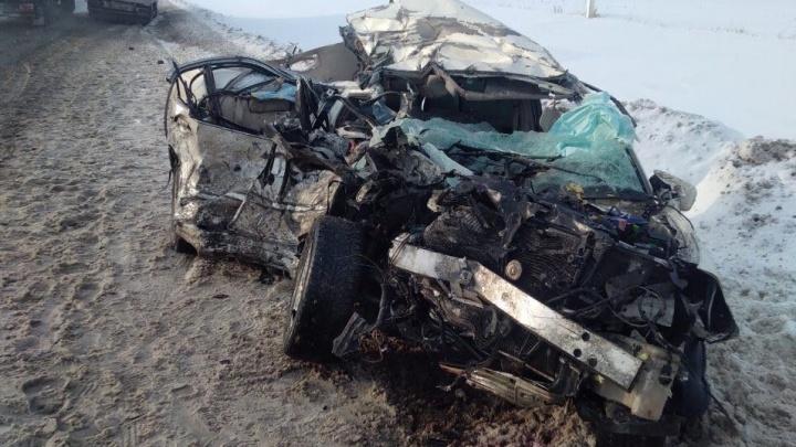 Фура «размазала»Toyota в блин: на М-5 в Самарской области произошло смертельное ДТП