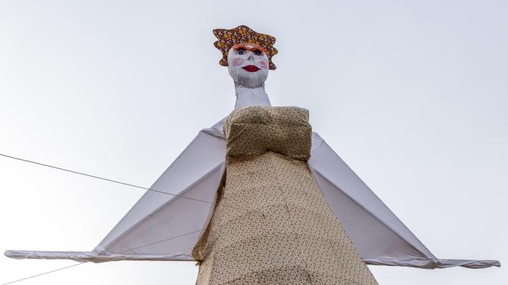 «700 квадратных метров ткани»: в Волгограде ради сожжения чучела перекроют Нулевую Продольную