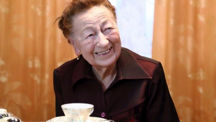В Кургане 95-летие отмечает ветеран Великой Отечественной войны Вера Бондарева