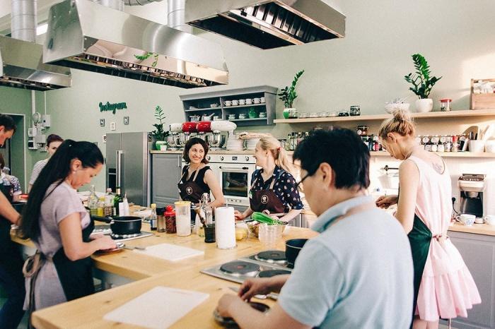 Кулинарные курсы превратились из профессиональной тусовки в модный досуг