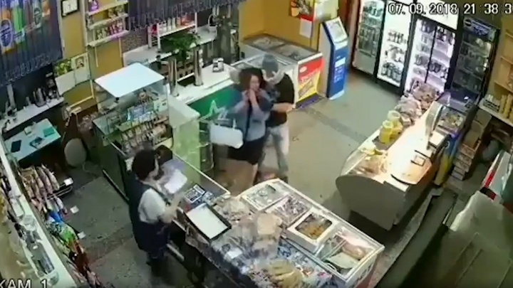 «Превращался в Халка»: детали поимки мужчины, который устроил резню в магазине