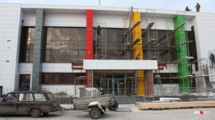 Осталось только установить оборудование: в Кургане заканчивают ремонт спорткомплекса ДЮСШ № 3