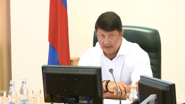 После жалобы на туалетную вонь в доме мэр заставил управдома отдраить все подъезды Ярославля
