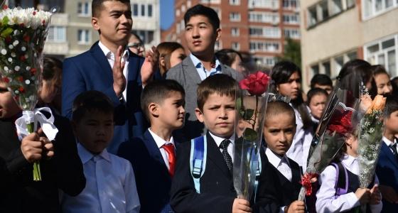 «Дети говорят по-русски лучше, чем я»: репортаж из самой многоязычной школы Екатеринбурга