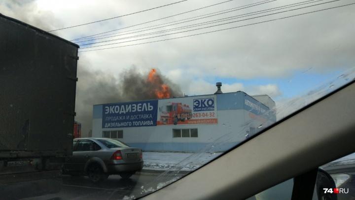 Воду везли от «Алмаза»: пожарные назвали причину возгорания на мойке самообслуживания на «Меридиане»