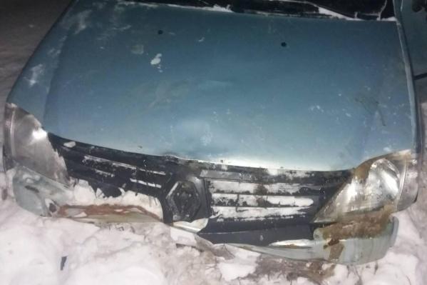 Машина застряла в сугробе