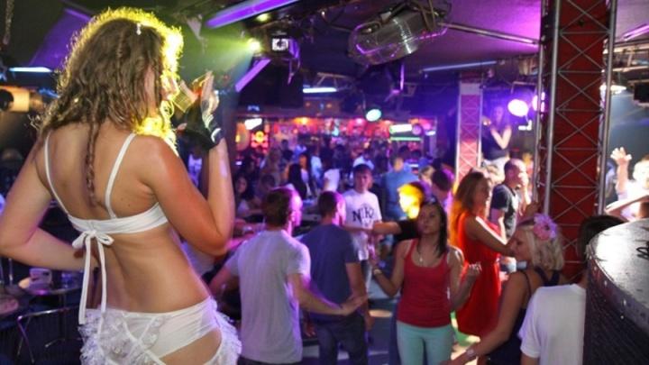 Возлюбленный украл у девушки 55 тысяч и потратил их в ночном клубе