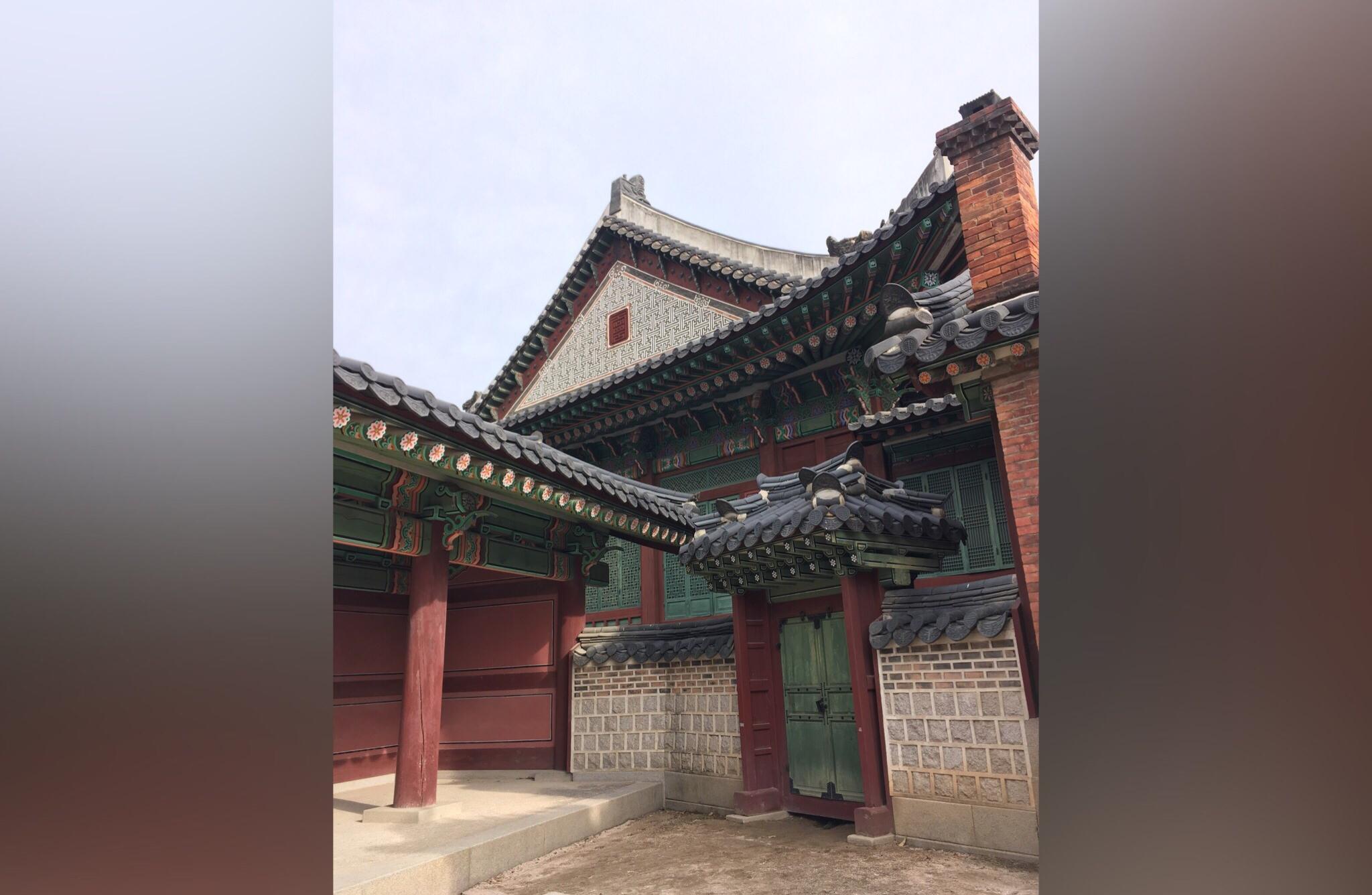 Внутренний дворик храма. Как вам?
