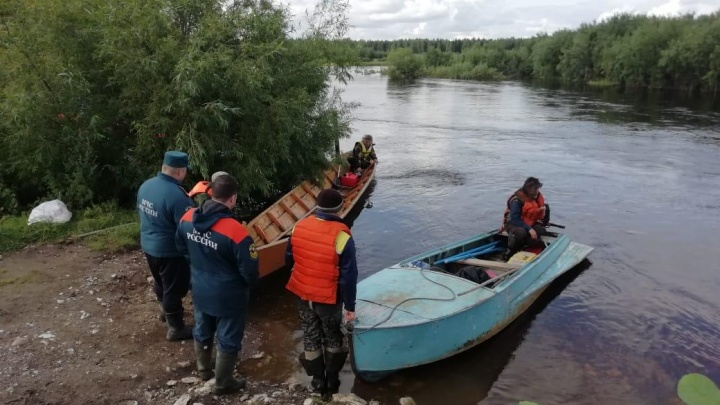 Вода все время поднимается: свежая информация о поисках утонувших на севере Свердловской области