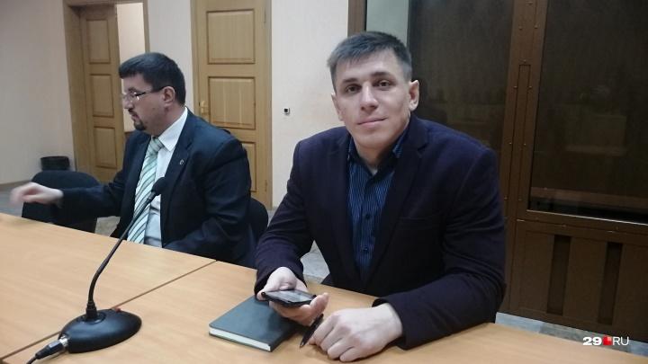 Прокуратура попросила дать архангелогородцу 3 года принудительных работ за участие в митингах