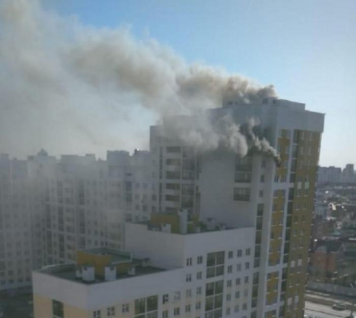 Соседи утверждают, что в квартире, в которой произошел взрыв, жили благополучные люди