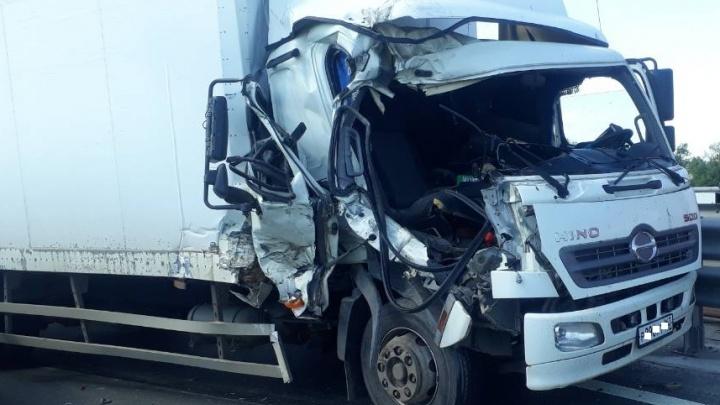 Под Самарой столкнулись два грузовика, есть пострадавшие